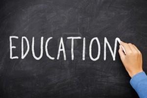 12288406-education-tableau-education-ecrite-sur-le-tableau-ecrit-a-la-main-a-la-craie-sur-tableau-noir-ecole